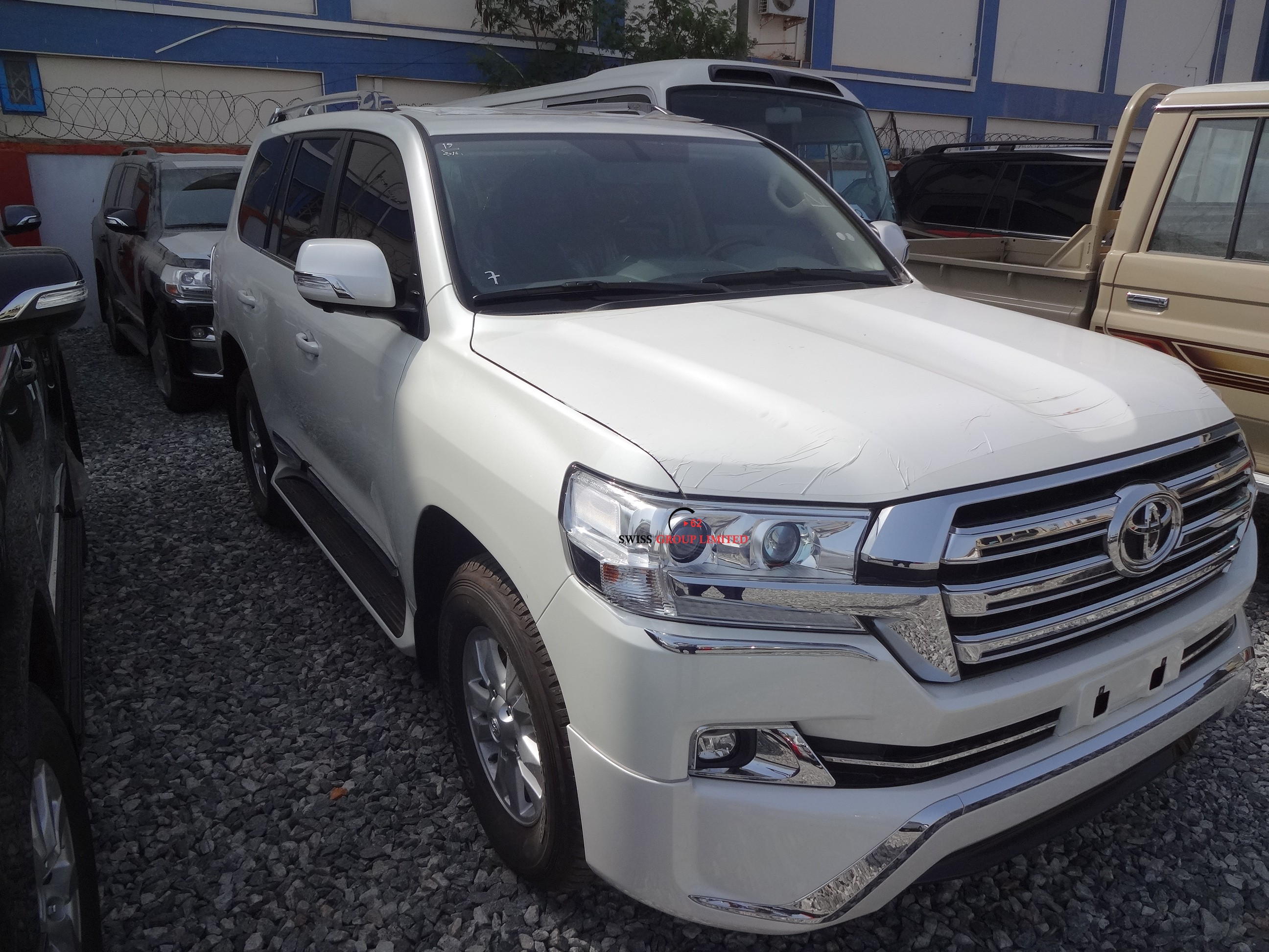 8 Passenger Suv >> Toyota Land Cruiser V8 White – Swiss Group Limited
